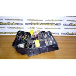 MEGANE 1 FASE 2 CLIO 2 - BSI caja fusibles fusilera relé 8200029340B