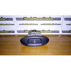 MEGANE 1 CLASSIC - cierre portón maletero pulsador
