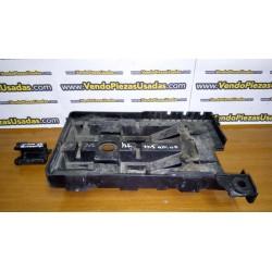 VOLVO S40 - V40 - Caja soporte de la batería 864204 864205 887656