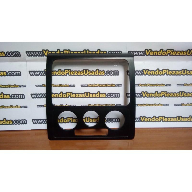 CADDY 2K- marco central del salpicadero frente audio clima 2K0858061A